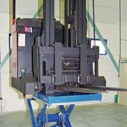 Carga máxima de 500 Kg. hasta 2.000 Kg y recorrido de elevación de hasta 800mm.