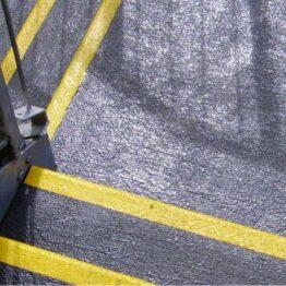 Cubierta-antideslizante-para-rellanos-de-abrasivo-grueso