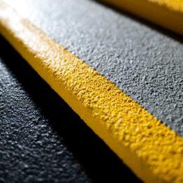 Cubre escalones anti-deslizante abrasivo grueso