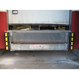 Tope deslizante para muelle de carga con sistema amortiguador