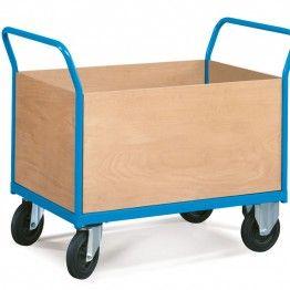 Carros con paredes de madera