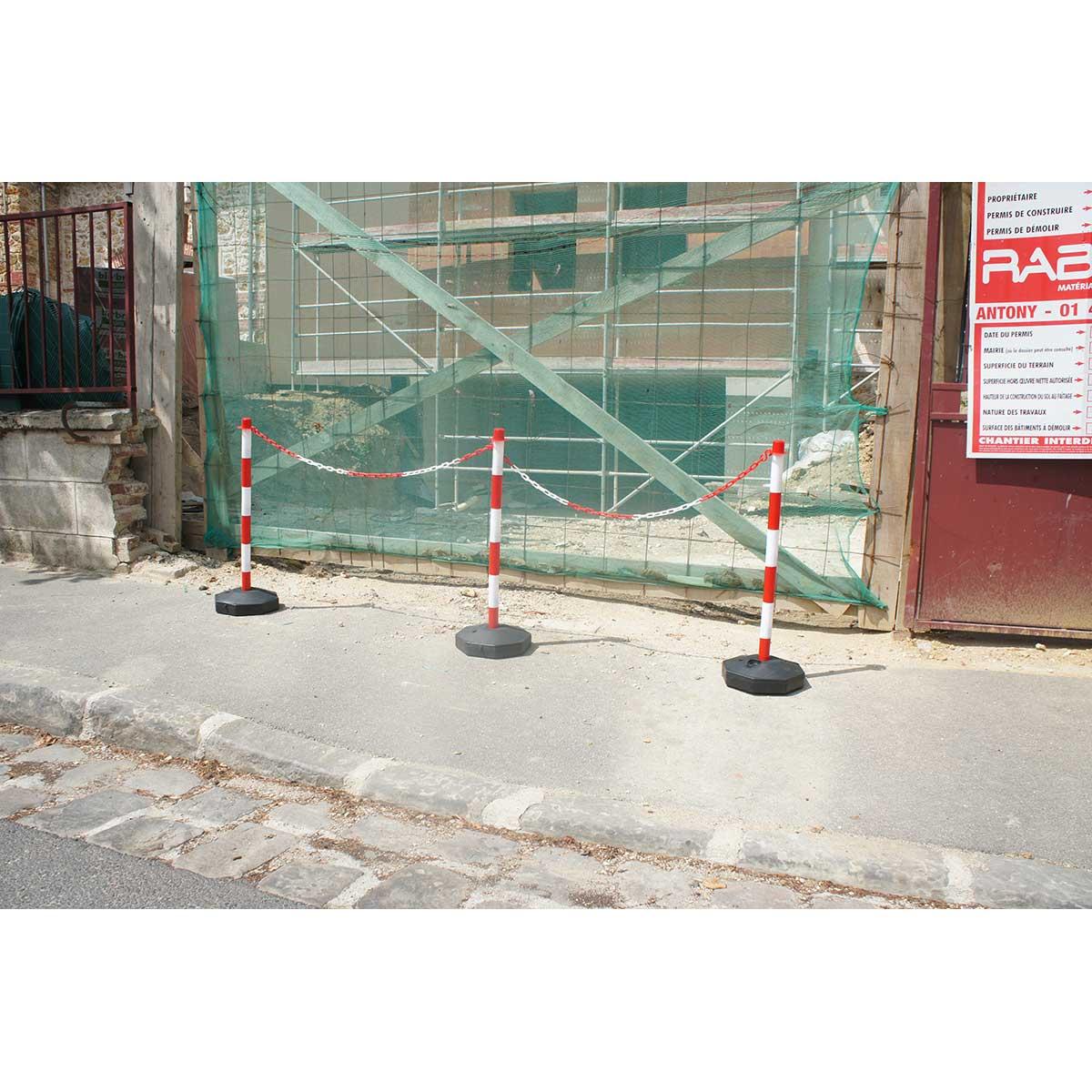 Postes de señalización desmontables con cadena