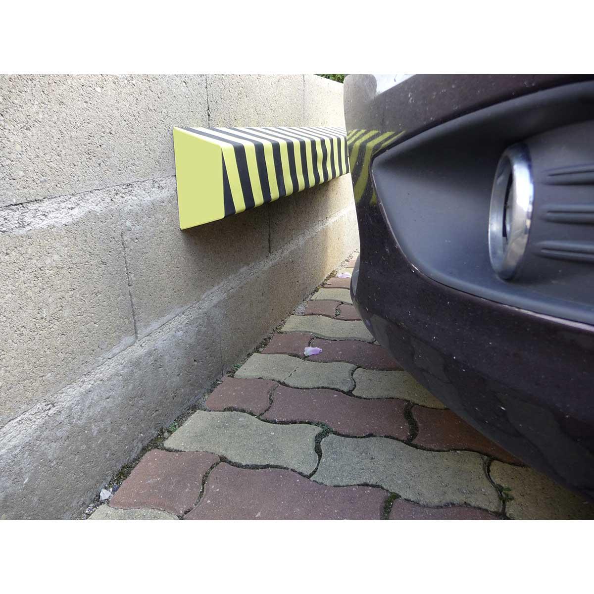 Topes adhesivos para protección en zonas de aparcamiento