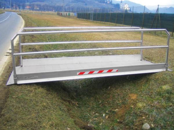 Pasarela de carga de aluminio para salvar zanjas y fosos de todo tipo en obras