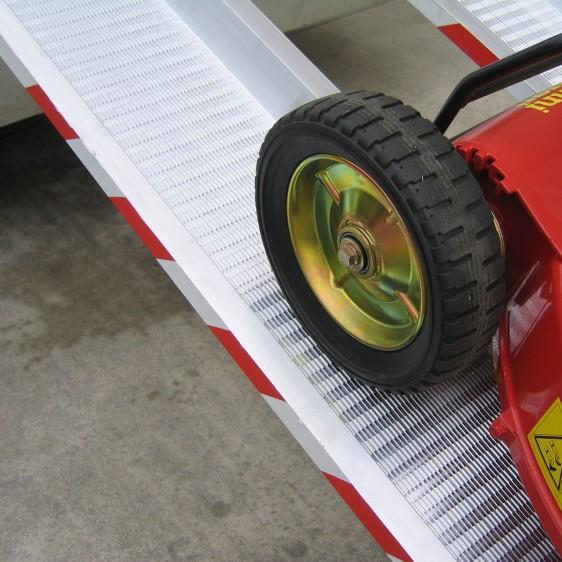 Rampa de carga para ruedas estrechas