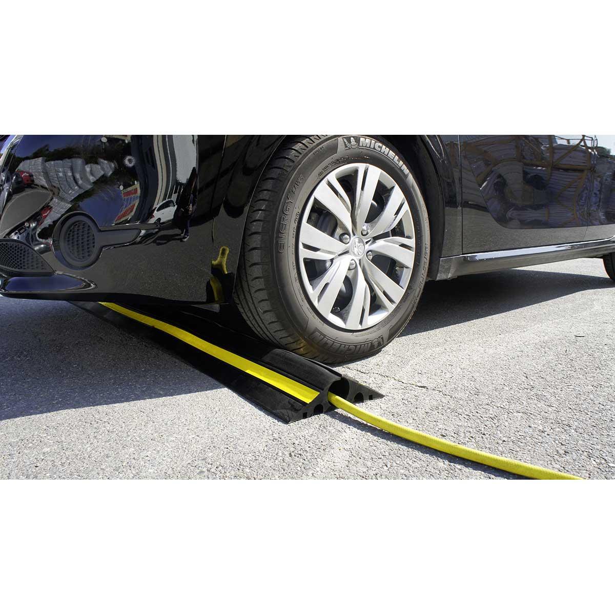 Protector de cable flexible para tráfico pesado