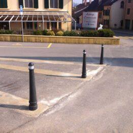 Bolardos flexibles de caucho reciclado para zonas peatonales, aparcamientos, accesos, etc.