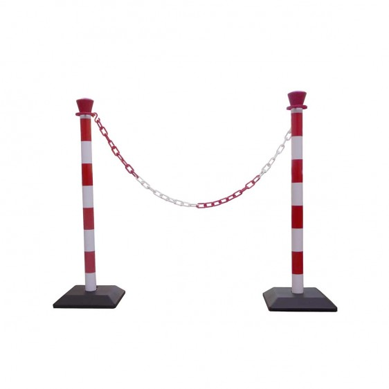 Postes de señalización con cadena en PVC