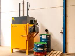 sector-quimica-dissetodiseo-_0004s_0006_compactadora bidones