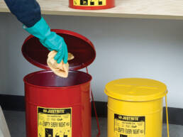 sector-quimica-dissetodiseo-_0004s_0010_contenedor residuos quimicos